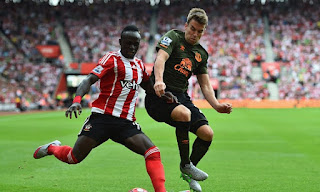 Manchester United make bid for Sadio Mane
