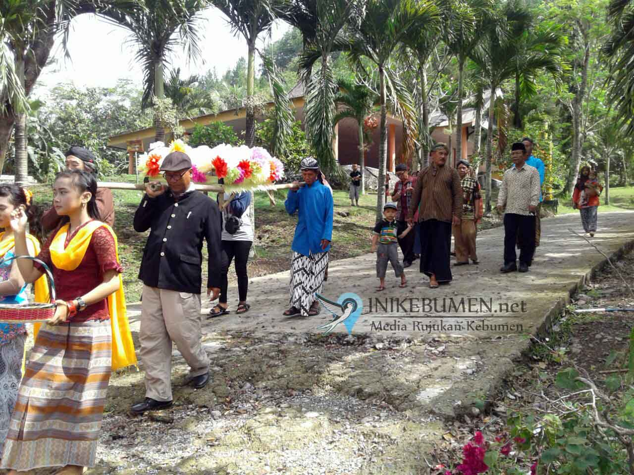 Sedekah Waduk Sempor, Komunitas Pusaka Gombong Keliling Bawa Keranda