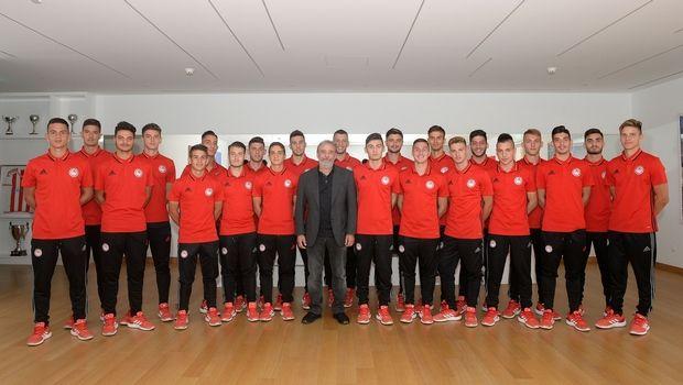 Τι κρύβεται πίσω από τα 21 επαγγελματικά συμβόλαια του Ολυμπιακού;