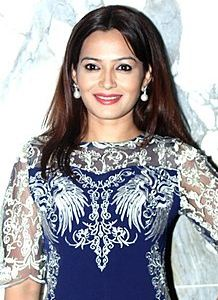 Samiksha Bhatnagar Family Husband Son Daughter Father Mother Marriage Photos Biography Profile.