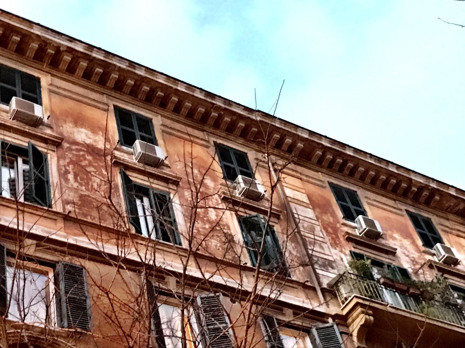 roma fa schifo elementi esterni dei condizionatori uno