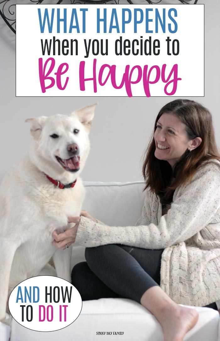 Amazing things happen when you decide to be happy! Learn what happens when you harness the power of positive thinking and how you can do it every day with help from the BB&T Leadership Series. #ad