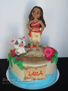 A Vaiana no aniversário da Lara