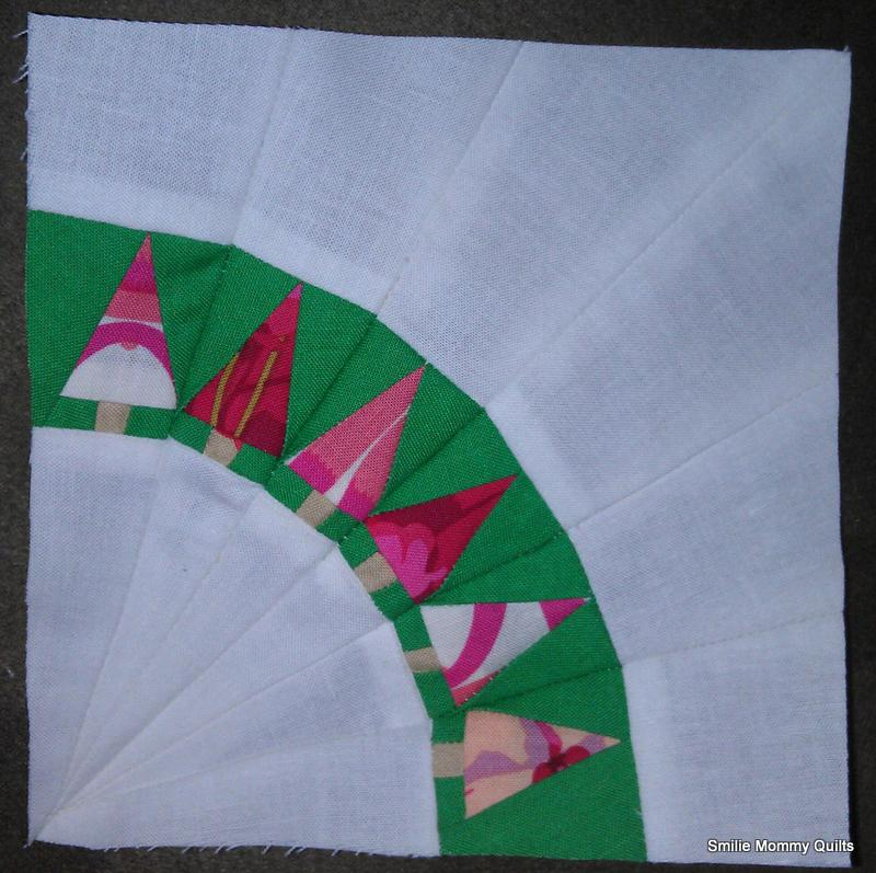 Free Paper Pieced Quilt Patterns Christmas.Smilie Mommy Quilts Christmas Tree Free Pattern Tutorial