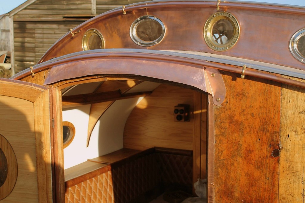 03-Dave-Moult-Tiny-Steampunk-Architecture-with-the-Teardrop-Trailer-www-designstack-co