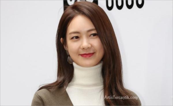 Model Korea Selatan Tercantik Lee Yo Won