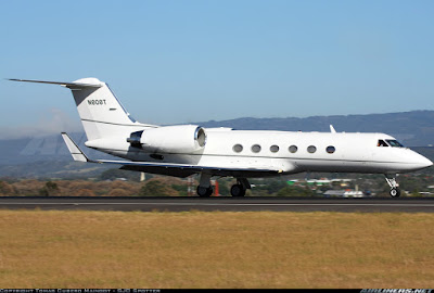 Tom Cruise property his private jet
