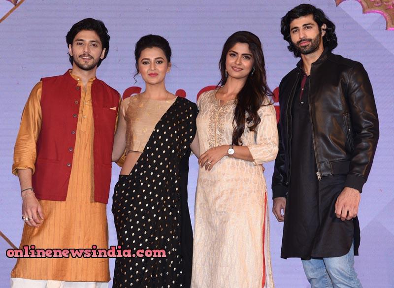 Kinshuk Vaidya as Arjun, Tejasswi Prakash as Uruvi, Sayantani Ghosh as Kunti and Ashim Gulati as Karn in KarnSangini coming soon only on StarPlus