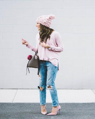 outfit de invierno rosa casual