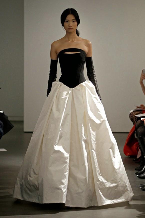 Vera Black And White Wedding Dress 04