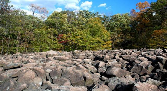 Μοναδικό γεωλογικό φαινόμενο: Οι μουσικές πέτρες της Πενσυλβάνια (βίντεο)