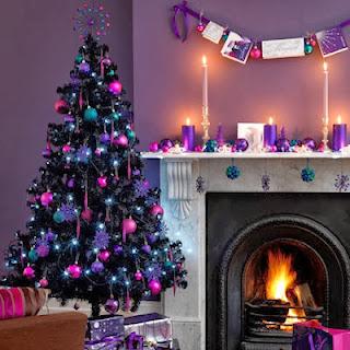 árbol navideño violeta