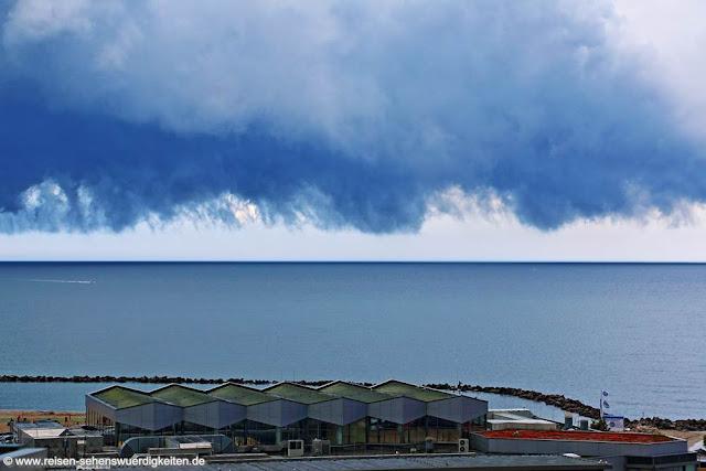 Unwetterfront über dem Ostseebad Damp, Regenwolke, Gewitter, Unwetter