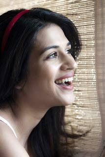 WWW.BOLLYM.BLOGSPOT.COM Shraddha Das Indian Telugu Actress High Quality Portfoilio Picture Gallery Pics Stills 0005.jpg