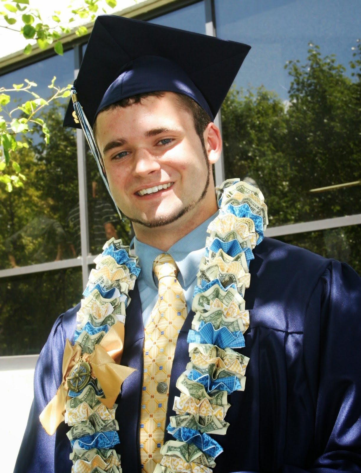 Dollar Bill Graduation Cap | 1600x1223