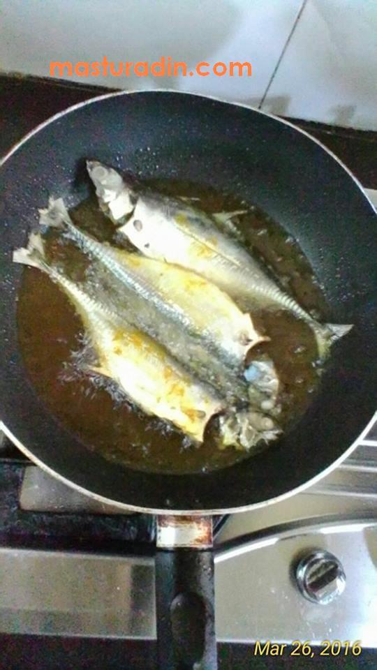 tips ikan goreng cepat masak, viral, petua goreng ikan