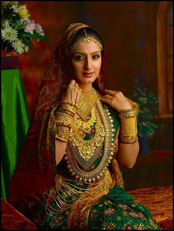 Beautiful Women Wearing Heavy Gold Jewelry