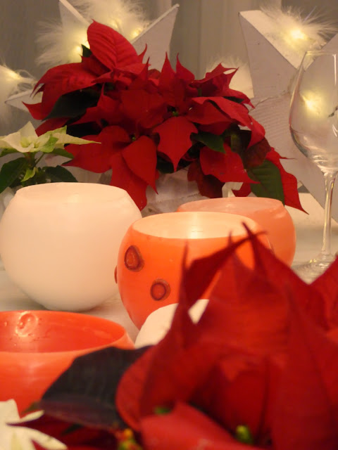 mit Strich und Faden: Sternstunden mit Weihnachtssternen und Wachslichtern