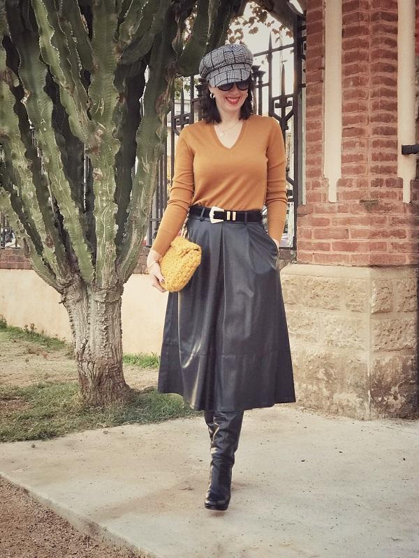 6d51d37333 Skirt: Stradivarius-old (similar here, here and here) // Sweater: Uniqlo //  Bag : DIY (similar here) // Leather Boots: Old (similar here) // Bakerboy  cap: ...