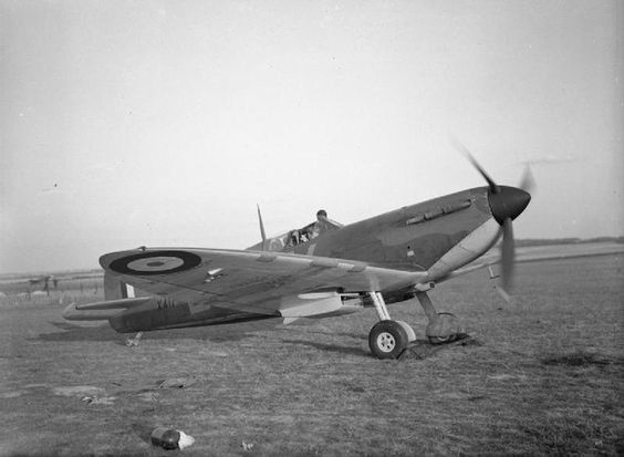 21 September 1940 worldwartwo.filminspector.com Spitfire Mk. 1
