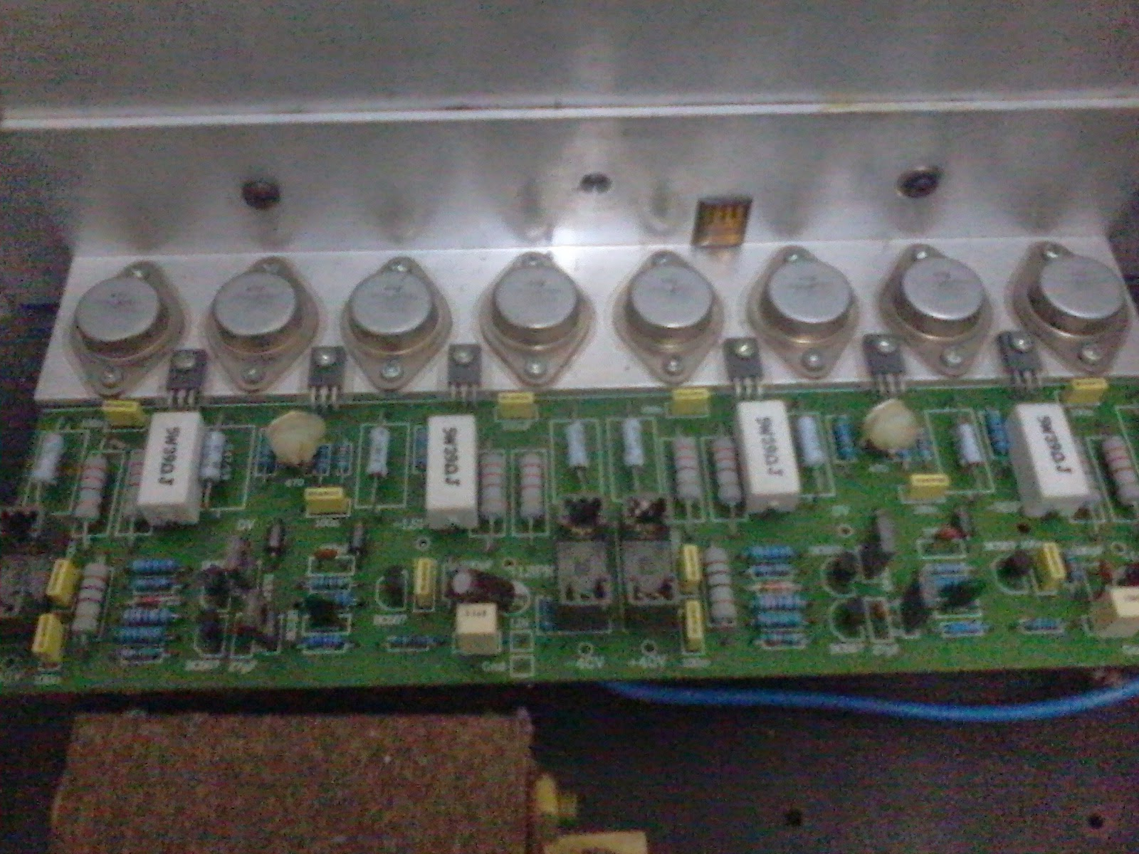 belajar membuat sendiri power amplifier rakitan electronic hobbiest for audio system. Black Bedroom Furniture Sets. Home Design Ideas