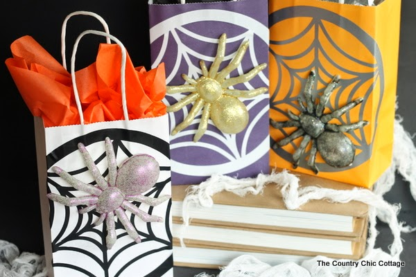 http://www.thecountrychiccottage.net/2014/10/make-halloween-gift-bags.html