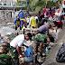 Koramil Banda Gelar Gotong Royong Bersihkan Sampah di Pantai Sero