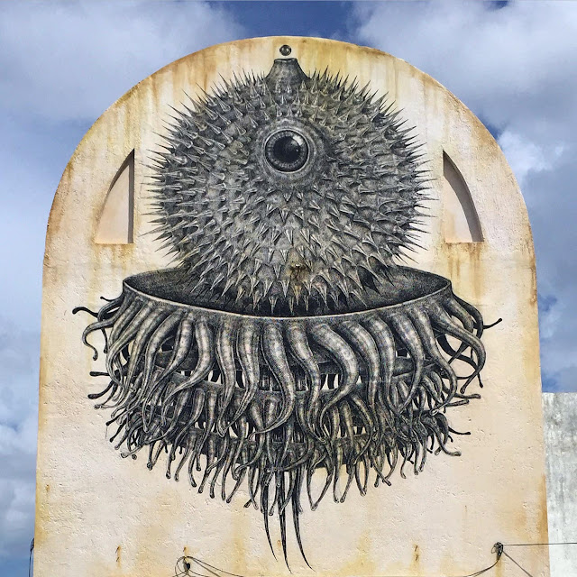 With over 30 artists painting the streets of Cozumel in Mexico, SeaWalls: Murals For Oceans was a brilliant event which saw the birth of several breath-taking pieces including this mural by Alexis Diaz.