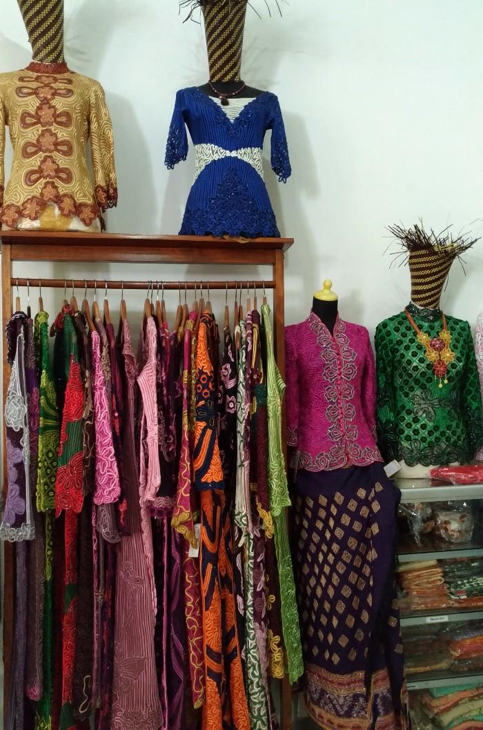 Mengintip Kain Tapis Lampung Sulam Usus Di Rahayu Gallery
