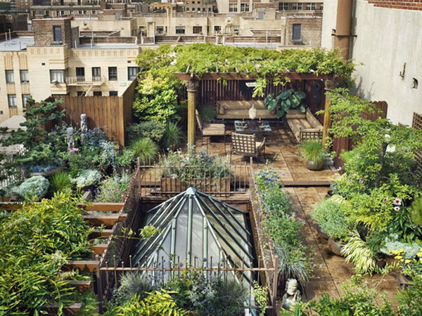 Rooftop Garden Design Ideas Adding Freshness to Your Urban Home  Read more: http://freshome.com/2012/10/17/30-rooftop-garden-landscaping-ideas-or-how-to-escape-the-urban-tension/#ixzz4B2PwWc3x Follow us: @freshome on Twitter | freshome on Facebook