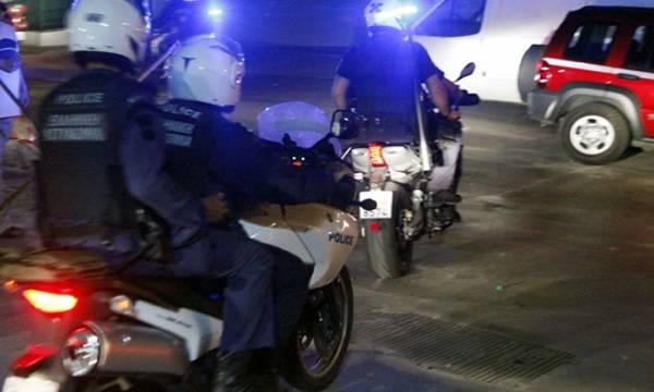Μακρύκανο όπλο και πιστόλι χρησιμοποίησαν οι δράστες της ληστείας σε τράπεζα στον Πειραιά