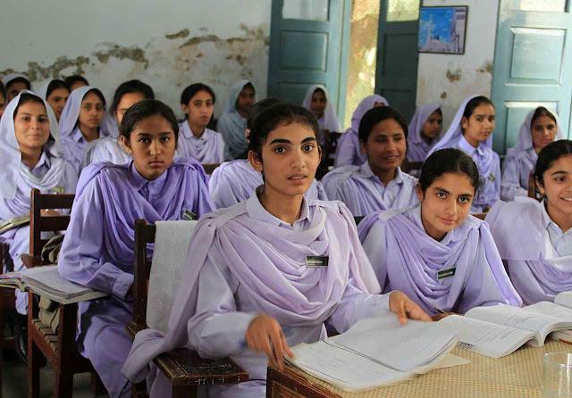Também no Paquistão. Escola em KhyberPakhtunkhwa.