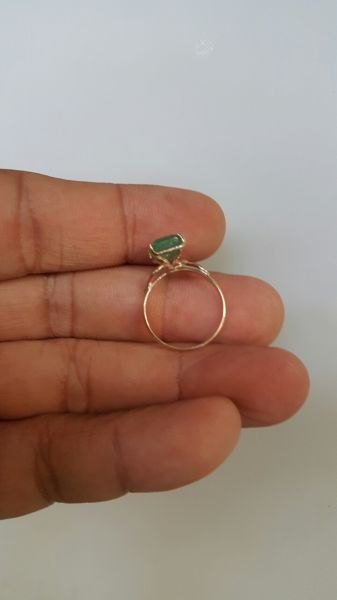 nhẫn vàng nữ đá emerald ngọc lục bảo
