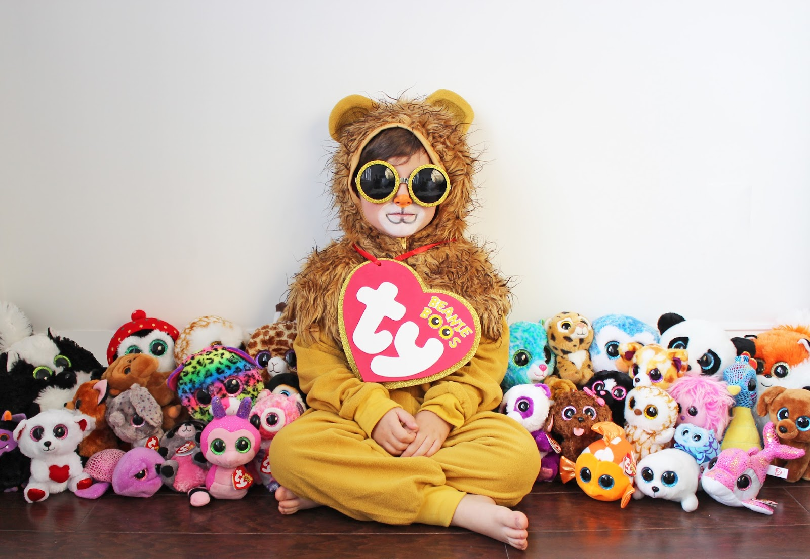 DIY HALLOWEEN COSTUME FOR LITTLES – BEANIE BOO a3b3a63c3d0