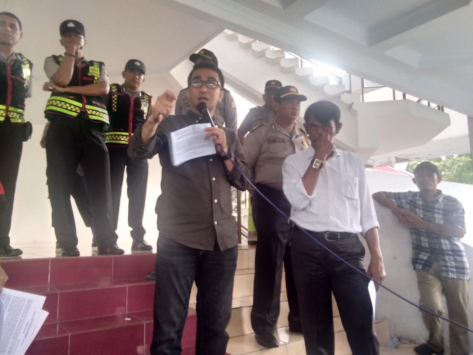 Fraksi NasDem DPRD Kota Makassar Terima Aspirasi Jukir - Lensapos.com