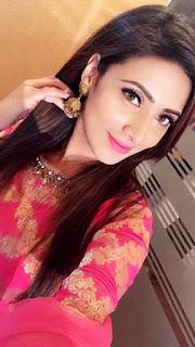 Bidya Sinha Saha Selfie In Romantic