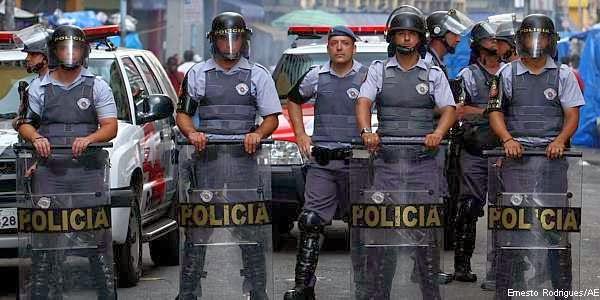 Sonhar com policia