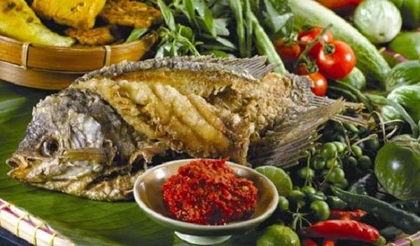 TIPS Menghilangkan Bau Amis dan Bau Lumpur Pada Ikan