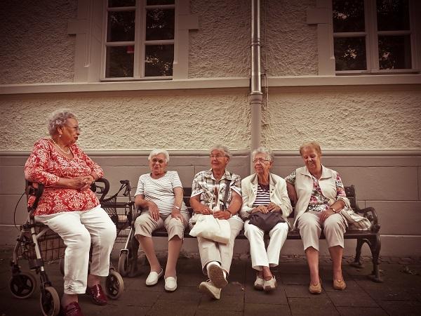 adultos mayores evitan la soledad