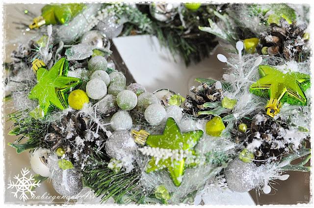 Świąteczny wianuszek zielono srebrny