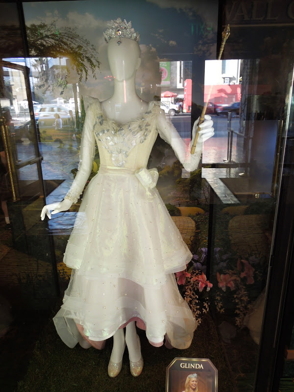 Michelle Williams Glinda movie costume Oz Great Powerful