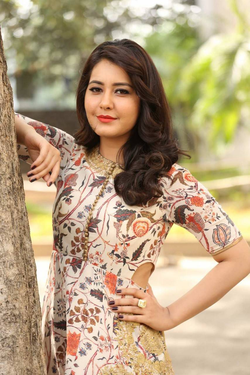 Rashi Khanna Photos From Bengal Tiger Movie
