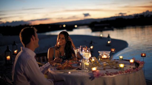 Anggur dan makan malam