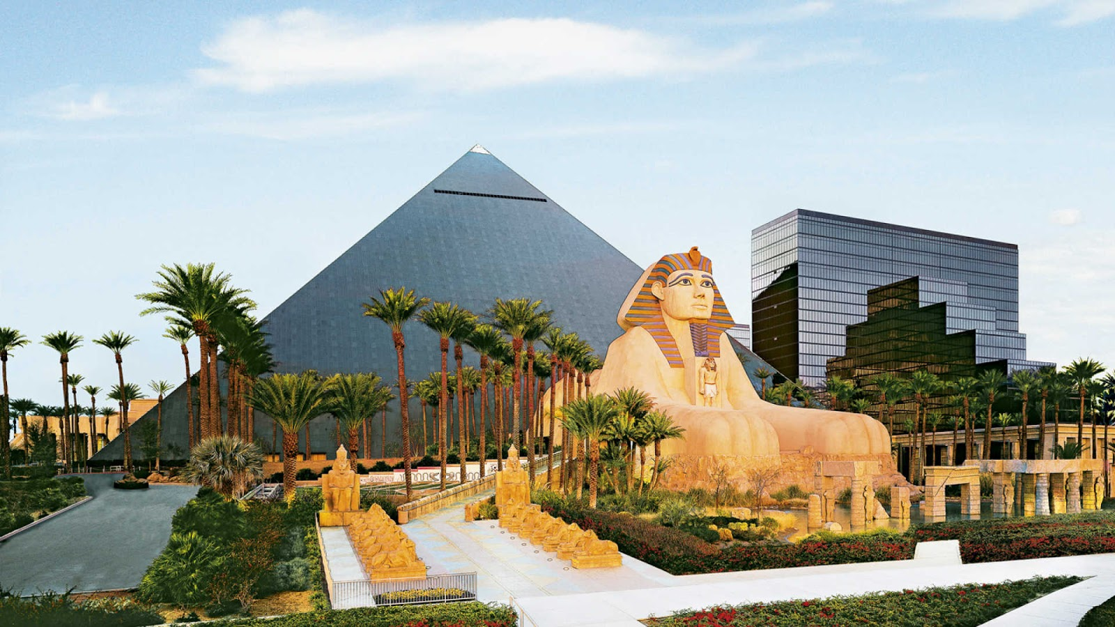 Luxor Hotel And Casino Las Vegas Travelhoteltours Vacation