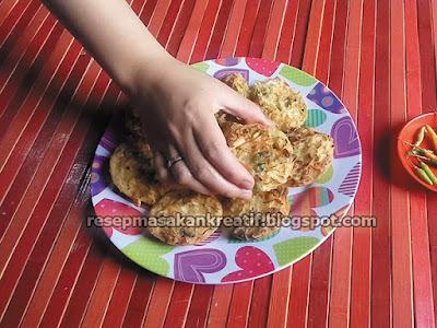 ote ote sayur dan bala bala yang lezat dan renyah memakai resep bakwan materi sederhana Resep Bakwan Sayur, Ote Ote & Bala Bala Renyah Praktis Simpel