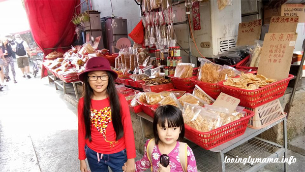 Tai O fishing village - travel with kids