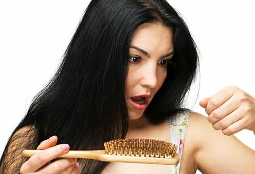 Cara Alami Mengatasi Kerontokan Rambut Secara Cepat