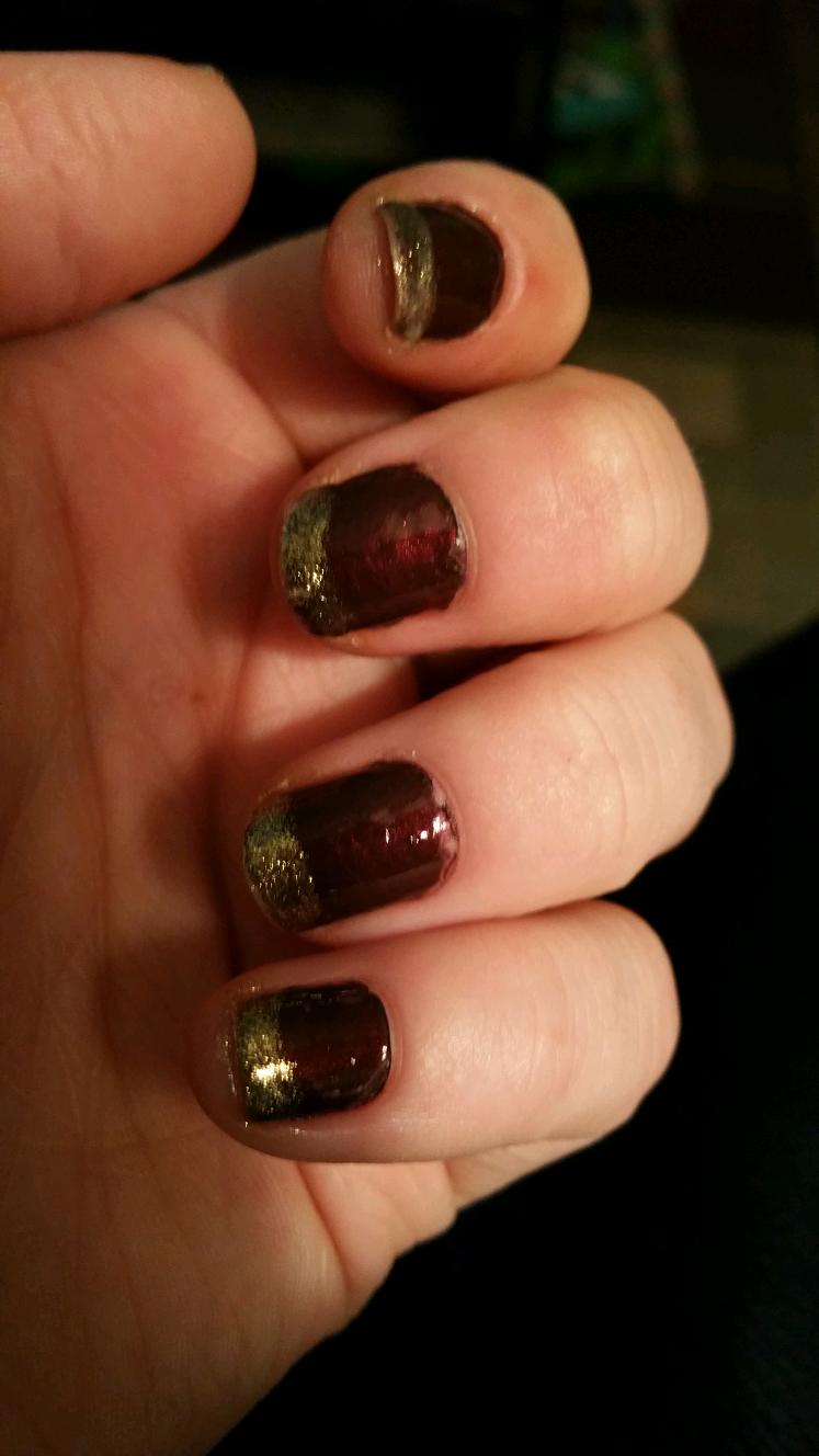 Yarnandbeauty: Gold and maroon nail art for short or long nails ...