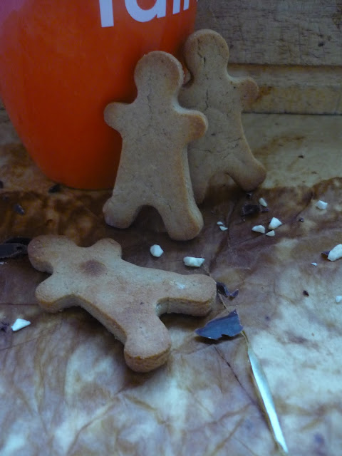 https://cuillereetsaladier.blogspot.com/2015/12/petits-bonhommes-de-noel-marrons-et.html