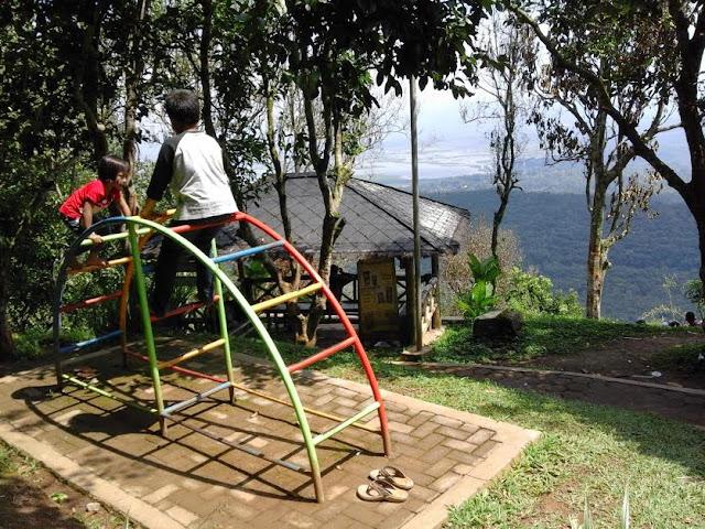 Taman Bermain Anak-anak Goa Rong View